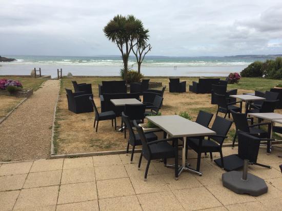 L'Oasis : Très bonne table avec un accueil sympathique et une vue magnifique. La terrasse est très accueil