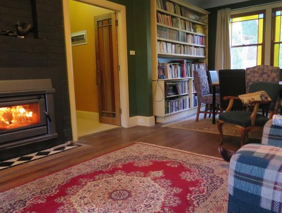 Idle A Wile : Sitting room