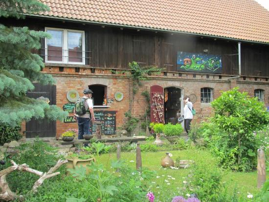 Kratzeburg, Alemania: Hier ist die Getränkeausgabe