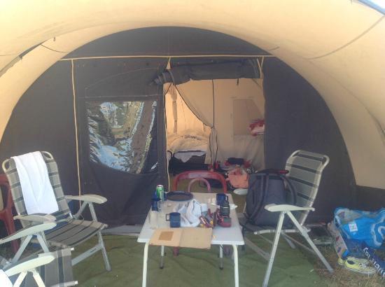 Camping Stortemelk: tent inside