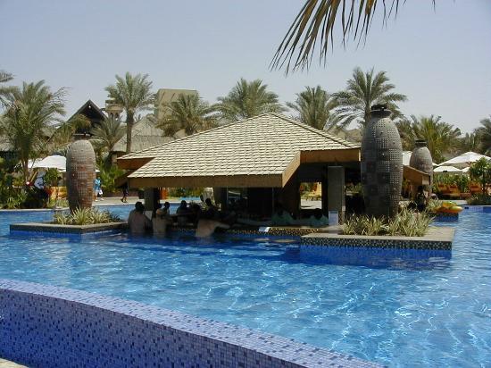 Executive Pool Bar Picture Of Jumeirah Beach Hotel Dubai Tripadvisor