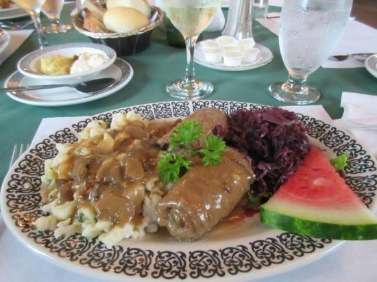 Salzburger Hof Dining Lounge: Rouladen, Spatzle and Red Cabbage