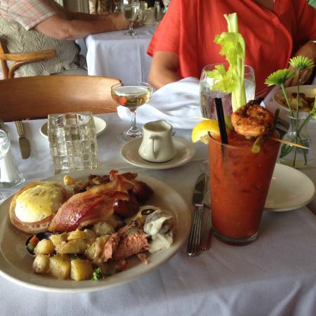 Chuckanut Manor Restaurant: First Round