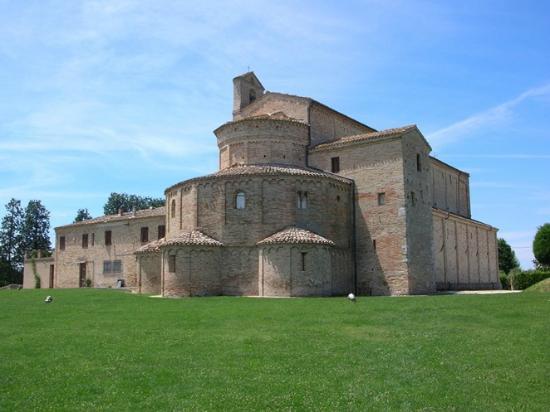 Santa Maria a Pie di Chienti