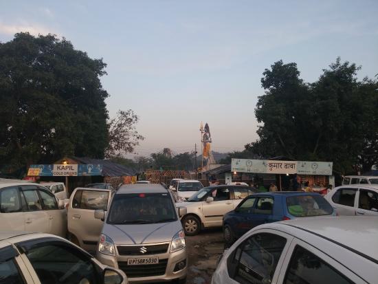 Car parking at Har ki Pauri