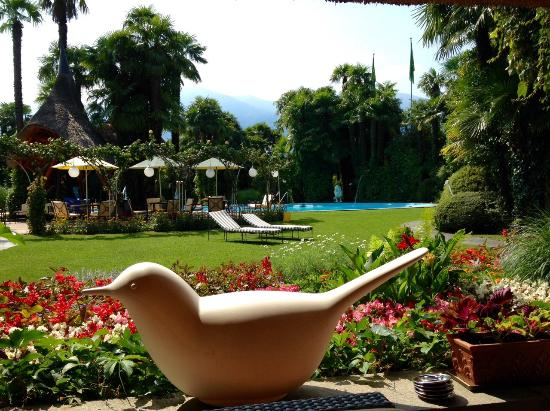 Albergo Losone: View to the garden and pool