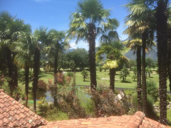 Albergo Losone: View to the golf cours