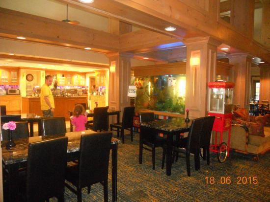 Homewood Suites by Hilton Fort Myers: Where we ate breakfast