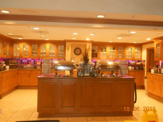 Homewood Suites by Hilton Fort Myers: Breakfast!!