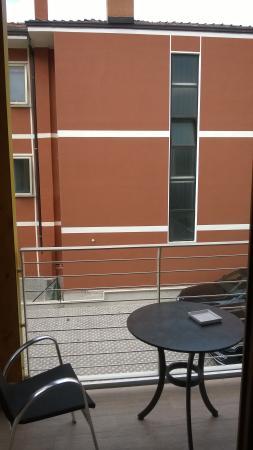 Eco Hotel Bonapace: Had gevraagd om uitzicht op meer maar werd muur