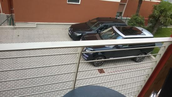 Eco Hotel Bonapace: Lekker boven de parkeerplaats.