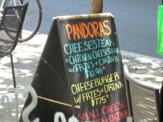 Pandora's Lunchbox: placa externa