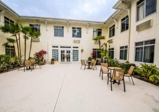Port Saint Lucie, FL: Back Patio