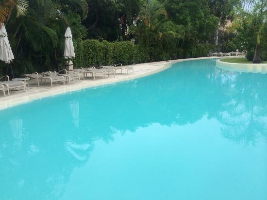 Gamma de Fiesta Inn Plaza Ixtapa : Zona de Alberca aprox. 1.50 de profundidad en esta zona