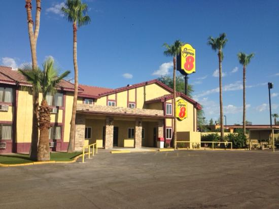Super 8 Goodyear/Phoenix Area: Updated front picture
