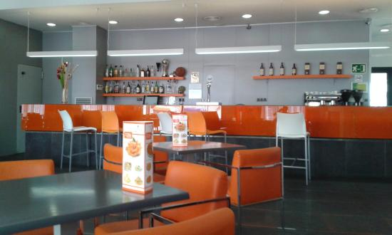 H2 Sant Cugat: The bar