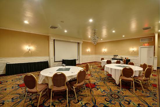 Best Western Plus Keene Hotel The Grand Ballroom