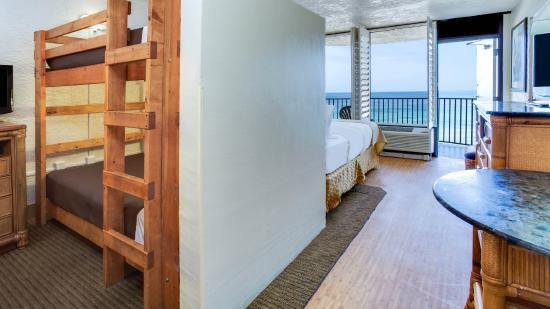 Holiday Inn Resort Panama City Beach Family Room Has Two Sets Of Bunk Beds And