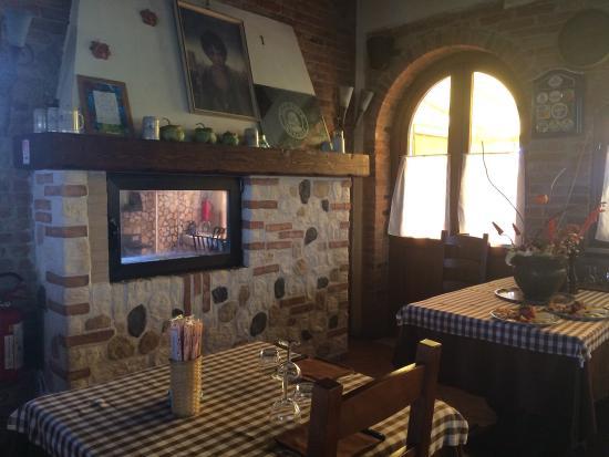 """Caldogno, Italien: Trattoria """"Alla Gradea"""": gradevole location con Cucina a vista !!!..."""