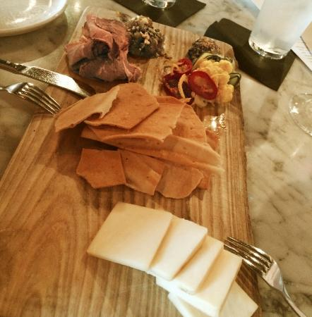 Laundry Restaurant: Meat and Cheese board