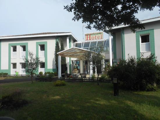 Hotel du Delta : Entrée de l'Hôtel.