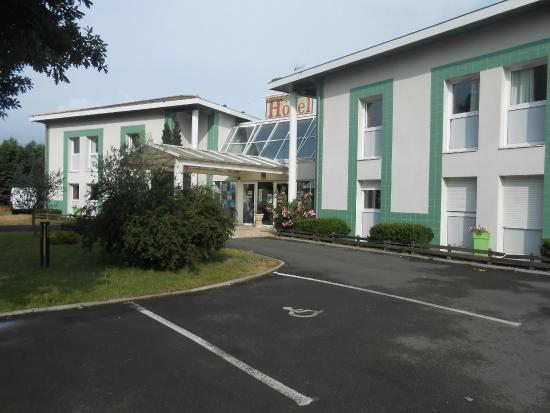 h tel avec place de parking photo de hotel du delta biganos tripadvisor. Black Bedroom Furniture Sets. Home Design Ideas