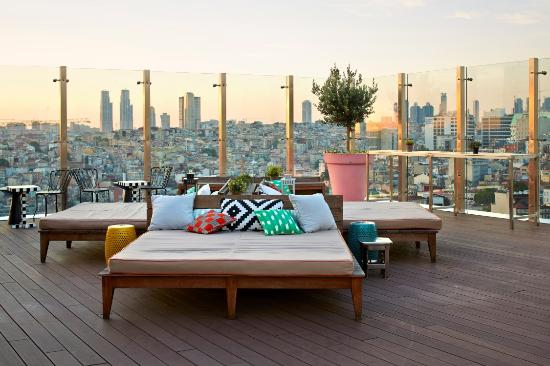 rooftop picture of mama shelter istanbul restaurant. Black Bedroom Furniture Sets. Home Design Ideas