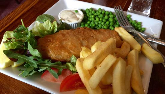 The Anglebury House: Fish 'n' chips £8