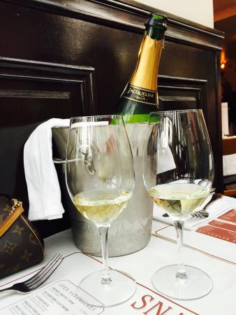 Snaps Bistro Bar: French Brut