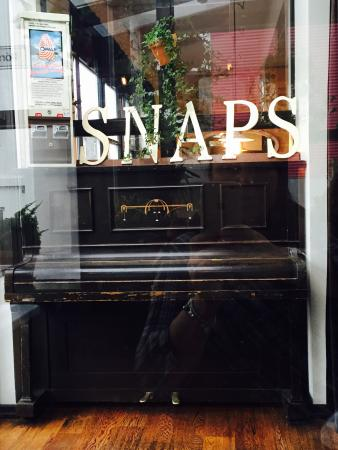 Snaps Bistro Bar: Here you're in!