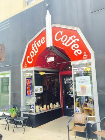 Casablanca Coffee: Exterior and Interior Shots
