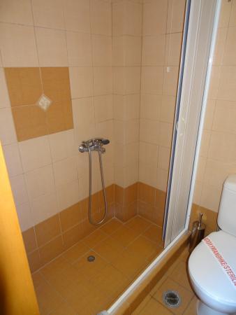 Naxos Resort Beach Hotel: Bathroom