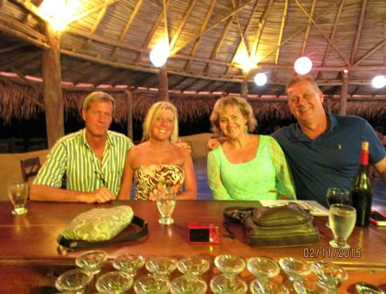 Hotel Playa Negra: Staff stayed open late for us one night!