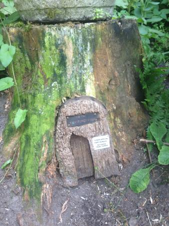 The New Forest Inn: Find the fairy door in the garden