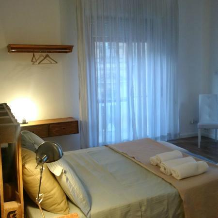 arredo minimal, moderno ed essenziale - foto di b&b the apartment ... - Arredamento Moderno Lecce