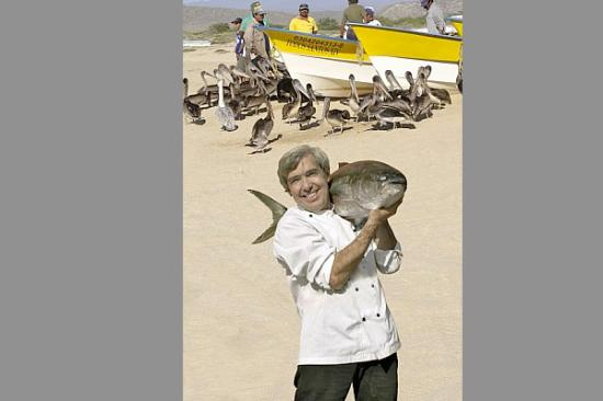 Santo Vino, Bistro & Wine Bar: Chef Dany with big fish