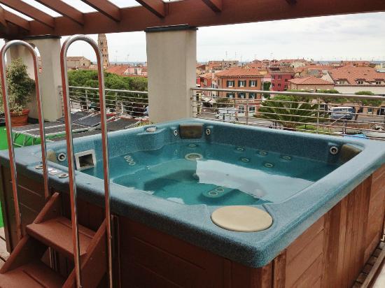 Hotel Cleofe : Dachterrasse mit Whirlpool