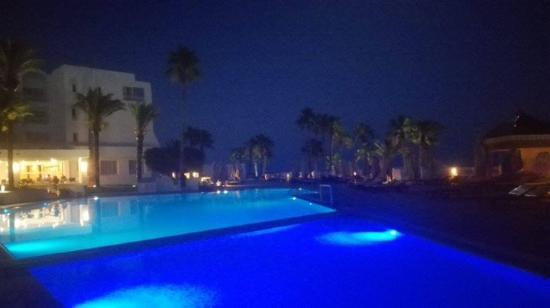 Hotel Bel Azur: evening in the hotel