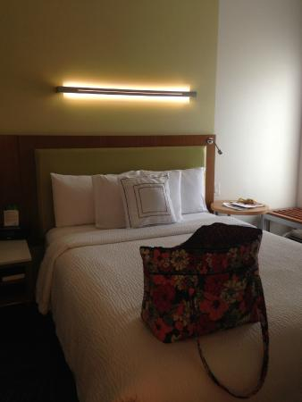 Good SpringHill Suites Corpus Christi: Notice The Lighting Over The Bed And  Small Reading Light To