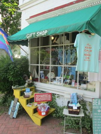 Oxford, MD: Exterior...lovely little shop!