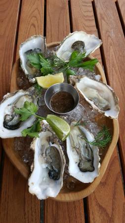 Breeze Brasserie: Jersey Rock oysters