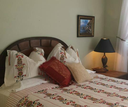 Husum, WA: Alpine Retreat Room 3