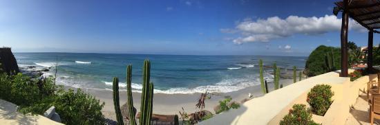Grand Palladium Vallarta Resort & Spa : panoramic of beach - so pretty!