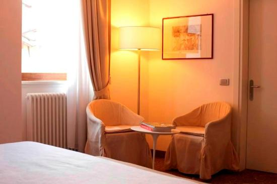 Hotel Accademia : Superior room