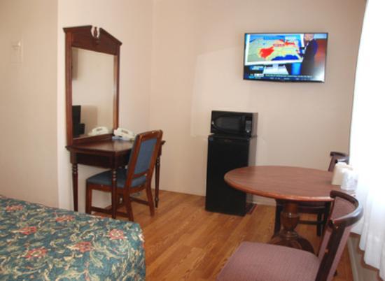 Grand Junction, CO: Fridge Microwave Large Flatscreens TV's