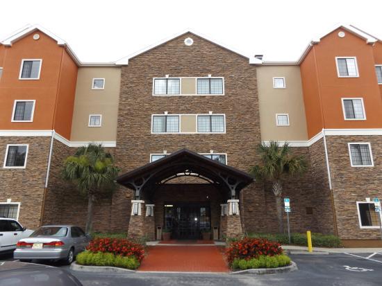Homewood Suites by Hilton Jacksonville Deerwood Park : Hotel Entrance