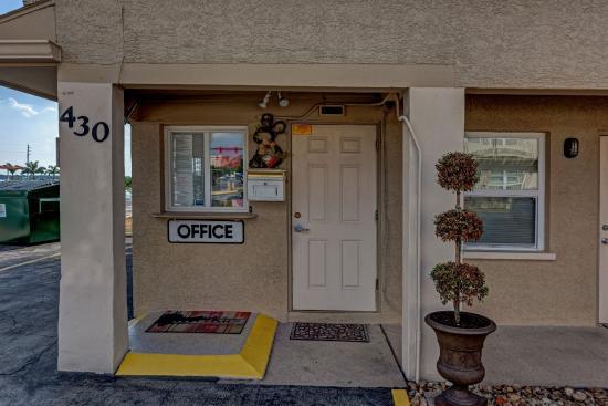 Aladdin Motel-Apartments: Office
