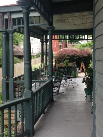 Reagan's Queen Anne : side of wrap around porch