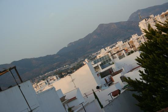 Hostal Dianes: Mountain views from the terrace.