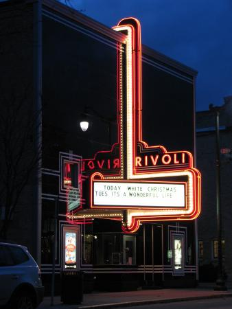 rivoli 2 picture of the rivoli theatre cedarburg